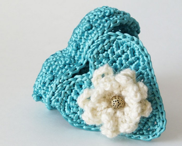 Crochet-heart-trinket-box-turquoise03 Stunning Crochet Patterns To Decorate Your Home & Make Accessories