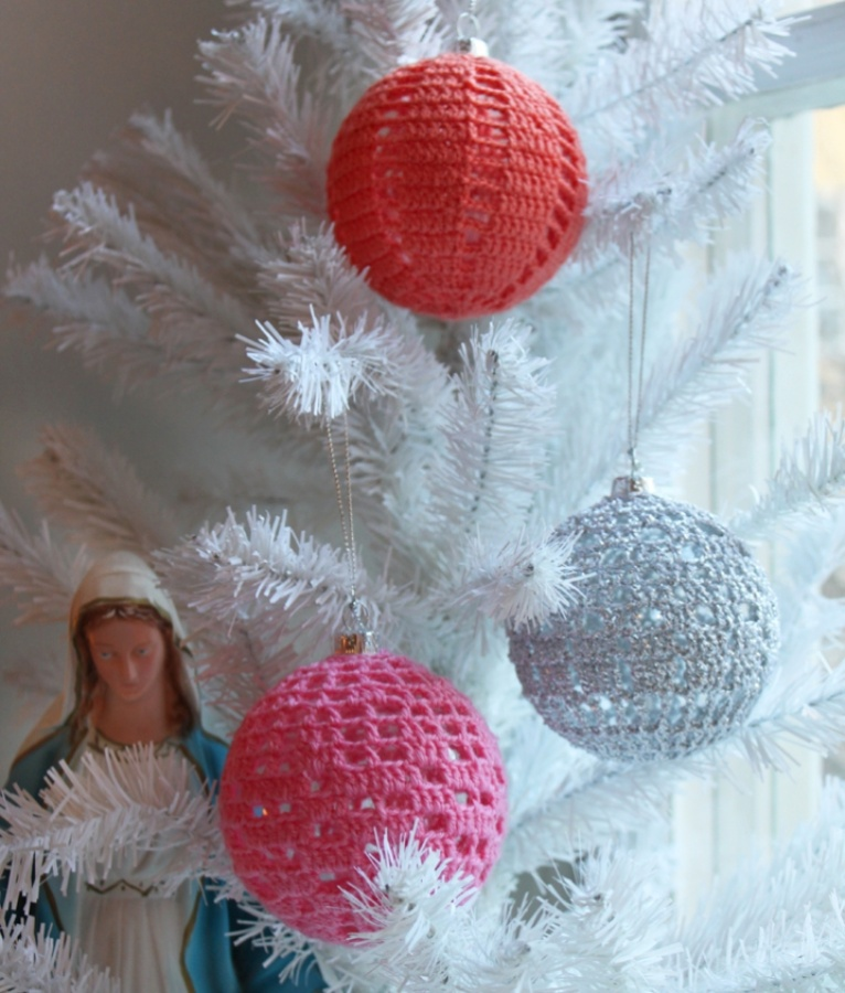 Crocheted-Christmas-ornament1 Stunning Crochet Patterns To Decorate Your Home & Make Accessories