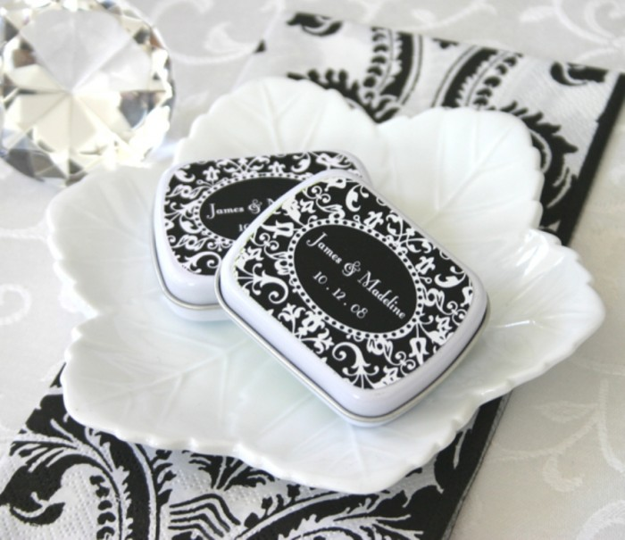 EB1072_large1 Save Money & Learn How to Make Your Own Wedding Favors