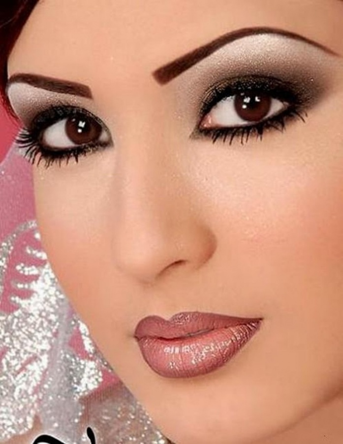 Eyes-Make-Up-8 Differences between Engagement & Wedding Make-up, What Are They?