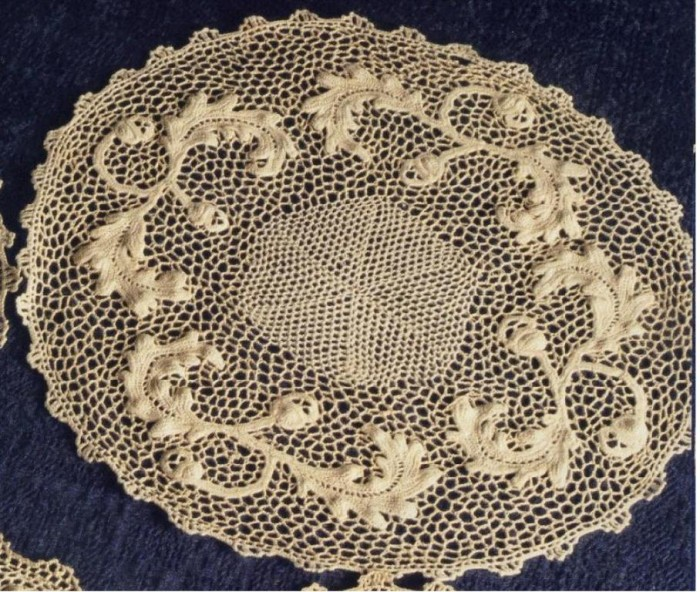 From_RIcamo_Italiano_Art_wetana_table_centre Stunning Crochet Patterns To Decorate Your Home & Make Accessories