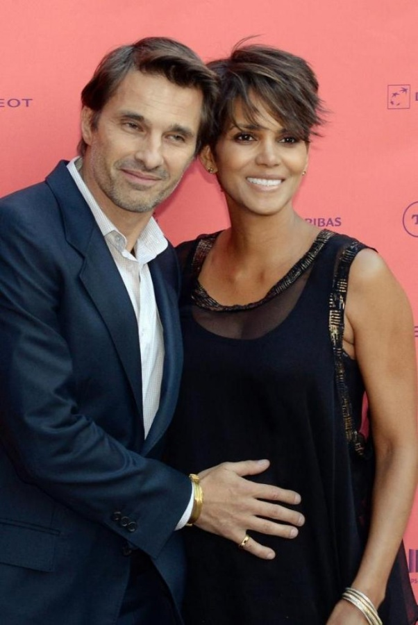 Halle-Berry-and-her-husband-Oliver-Martinez Celebrities Who Had Babies in 2013, Who Are They?