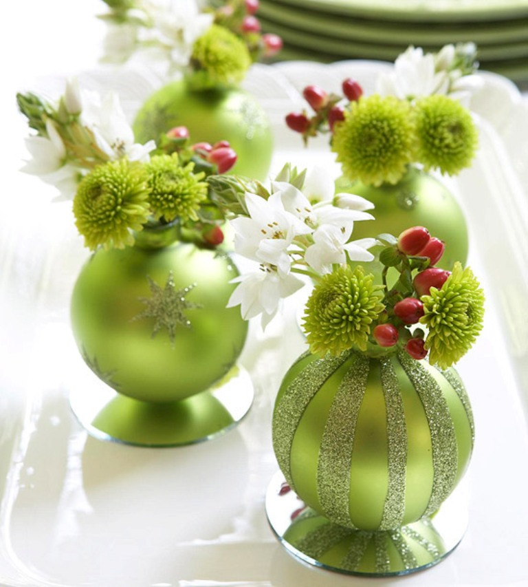 Holiday-Decorating-Ideas-for-Small-Spaces-2012-111 65+ Dazzling Christmas Decorating Ideas for Your Home in 2019