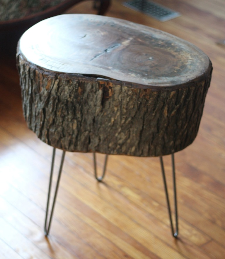 How-to-make-a-tree-stump-table Did You Throw Your Christmas Tree? If It Is Not, Don't Do This