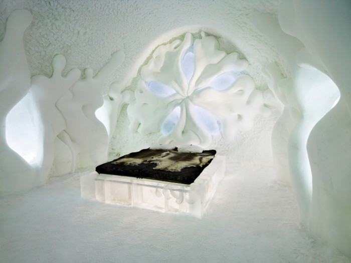 IceHotel-23 Top 30 World's Weirdest Hotels ... Never Seen Before!