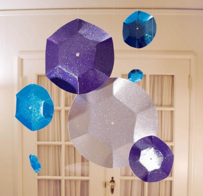 Ideas-Wonderful-New-Years-Eve-Decoration-Ideas-With-Hanging-Glittering-Blue-Purple-And-White-Paper-Plate-On-The-Ceiling-Wonderful-New-Years-Eve-Decoration-Ideas Awesome & Breathtaking Ideas for New Year's Holiday Decorations