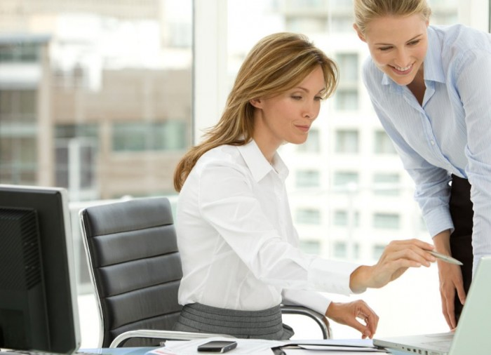 Importance-of-a-Work-Mom Tips to Control the Annoying Jealousy Among Co-workers at Workplace!!
