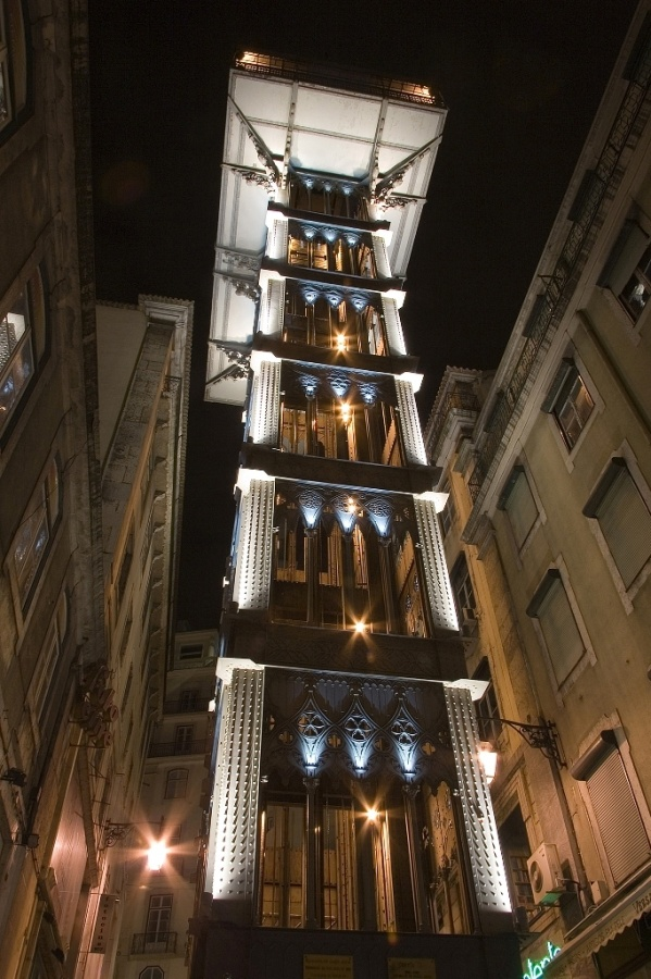 Lisbon_Lisboa_historic_elevator_Santa_Justa_Luca_Galuzzi_2006 The World's 20 Weirdest & Craziest Elevators