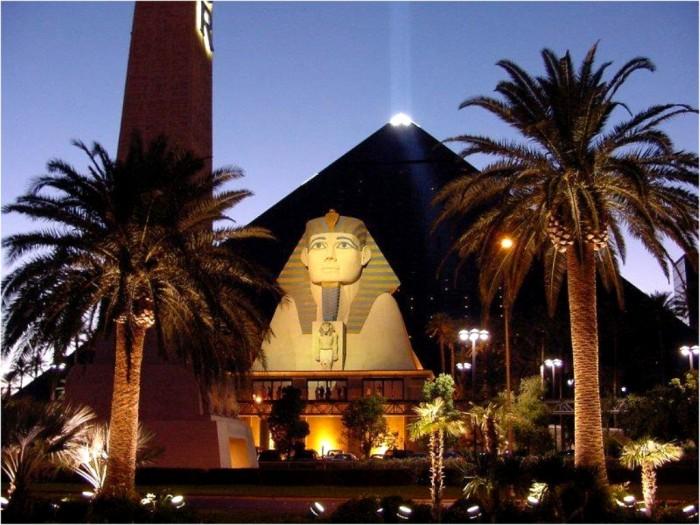 Luxor-Hotel-Las-Vegas-facade The World's 20 Weirdest & Craziest Elevators