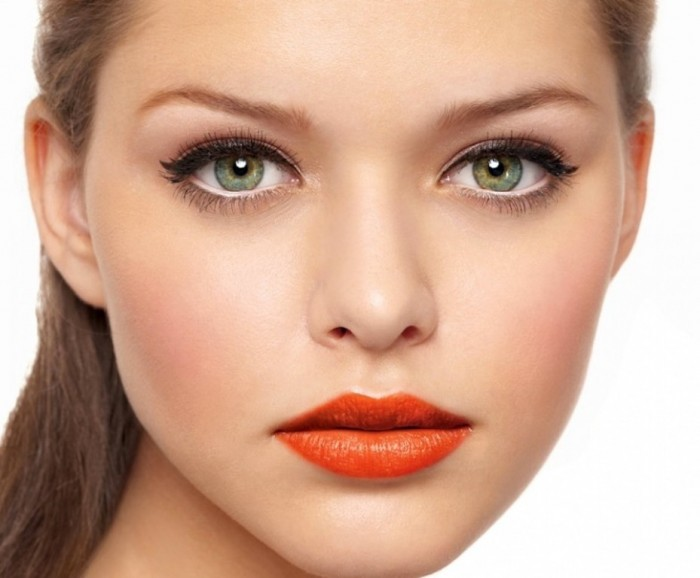 Makeup-Tips-for-Making-Small-Eyes-Look-Bigger Differences between Engagement & Wedding Make-up, What Are They?