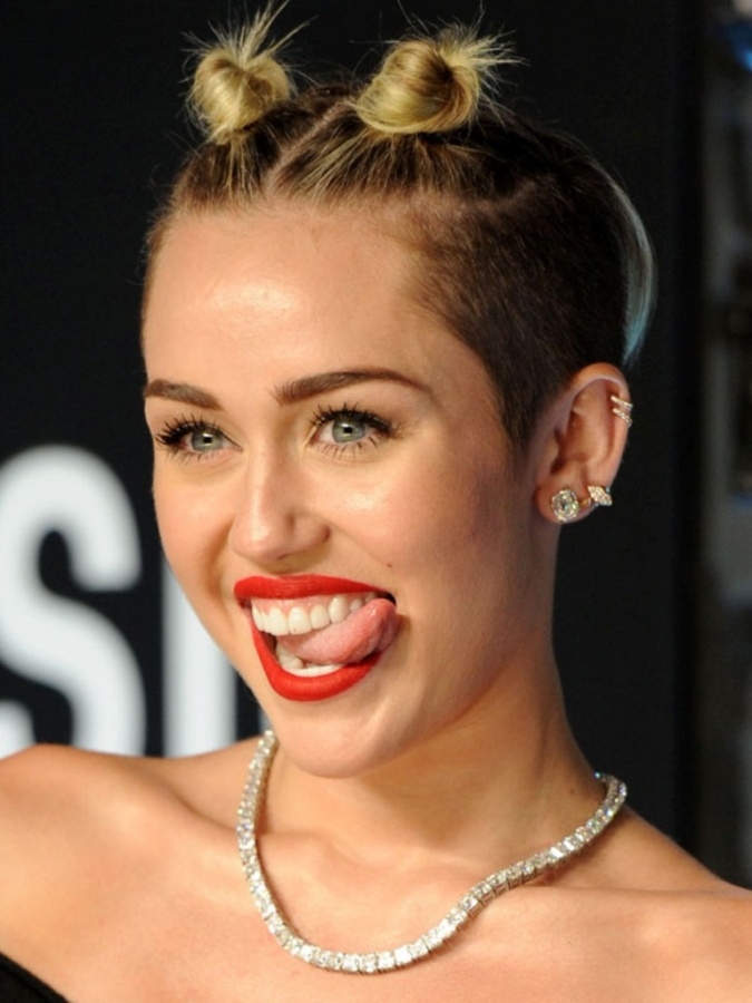 Miley-Cyrus-MTV-Video-Music-Awards-2013 20 Worst Celebrities Hairstyles