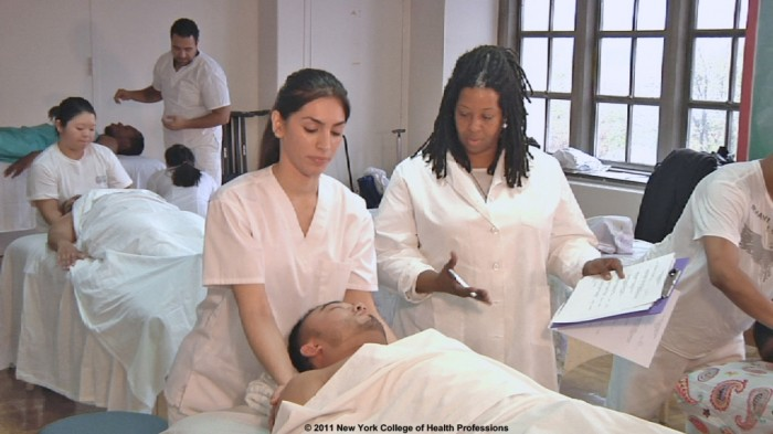 NY_College_of_Health_Professions_Massage_Therapy_Class Do You Know How to Choose the Best College or University for You?