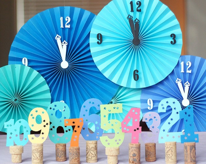 New-Year-s-Eve-Decor Awesome & Breathtaking Ideas for New Year's Holiday Decorations