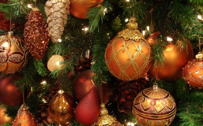 New-Year-wallpapers-Holiday-decorations-Christmas-tree-2014 Dazzling Christmas Decorating Ideas for Your Home in 2017 ... [UPDATED]