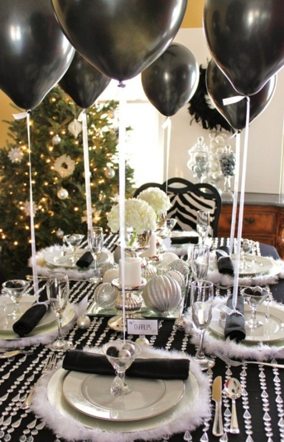 New-Years-Tablescape-Decoration-Idea-2014-New-Years-Tablescape-Red-New-Years-Sparkly-Tablescape-New-Year-2014-Sparkly-Tablescape-Centerpiece Awesome & Breathtaking Ideas for New Year's Holiday Decorations