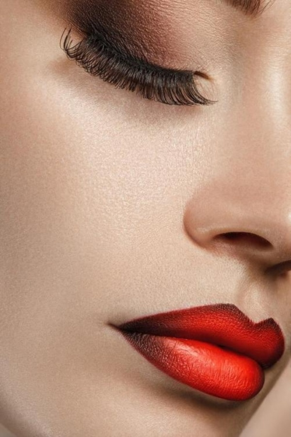 Ombre-lips-Inspiration-04 Top 10 Latest Beauty Trends That You Should Try