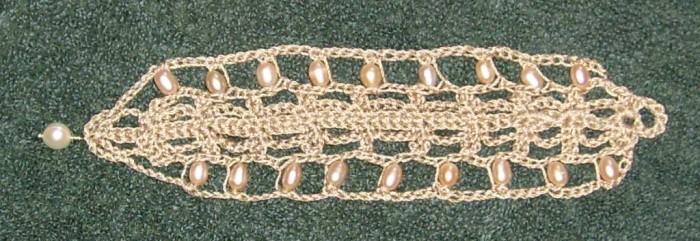 Pearl_crochet_bracelet_flat Stunning Crochet Patterns To Decorate Your Home & Make Accessories