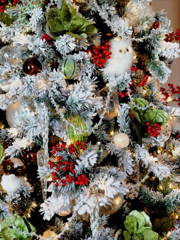 RMS_barbara-ann-Christmas-Tree-Woodland-Creatures-close-up_s3x4_lg 79 Amazing Christmas Tree Decorations