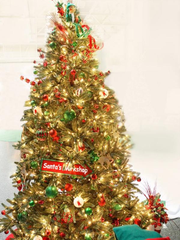 Santas-Workshop-Christmas-Tree-theme 79 Amazing Christmas Tree Decorations
