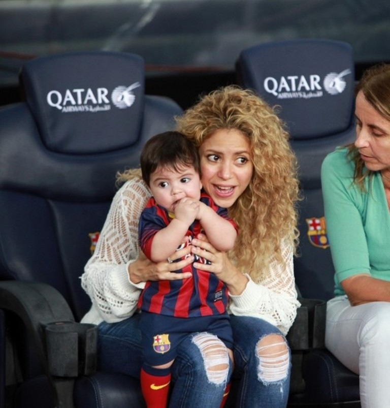 Shakira+Shakira+Watches+Soccer+Family+YRB4rIH8Mp7l4 Celebrities Who Had Babies in 2013, Who Are They?