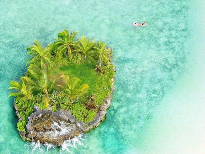 Small-Island-Honolulu-Hawaii-Sea-Beach-Blue Top 10 Romantic Vacation Spots for Couples to Enjoy Unforgettable Time