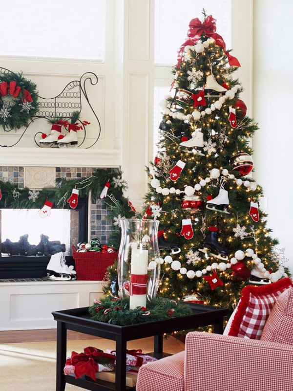 Sports-fans-christmas-tree-mittens-and-skates 79 Amazing Christmas Tree Decorations