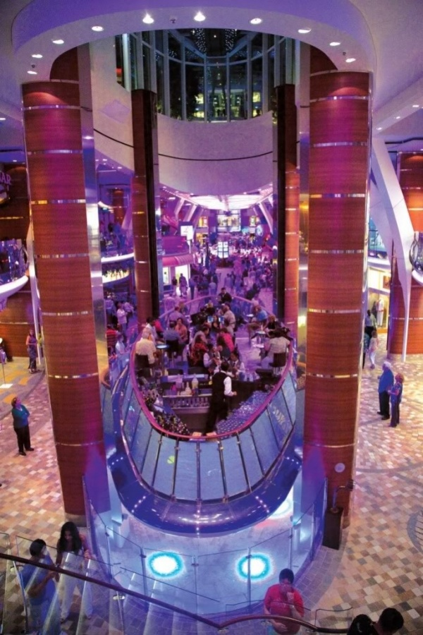 Sushi-A-_MG_3107_RET The World's 20 Weirdest & Craziest Elevators