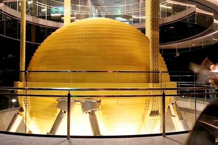 Taipei101damper The World's 20 Weirdest & Craziest Elevators