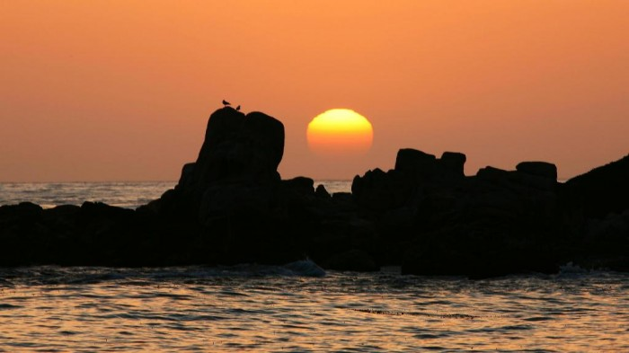 The-Waning-Sun-Carmel-California Top 10 Romantic Vacation Spots for Couples to Enjoy Unforgettable Time