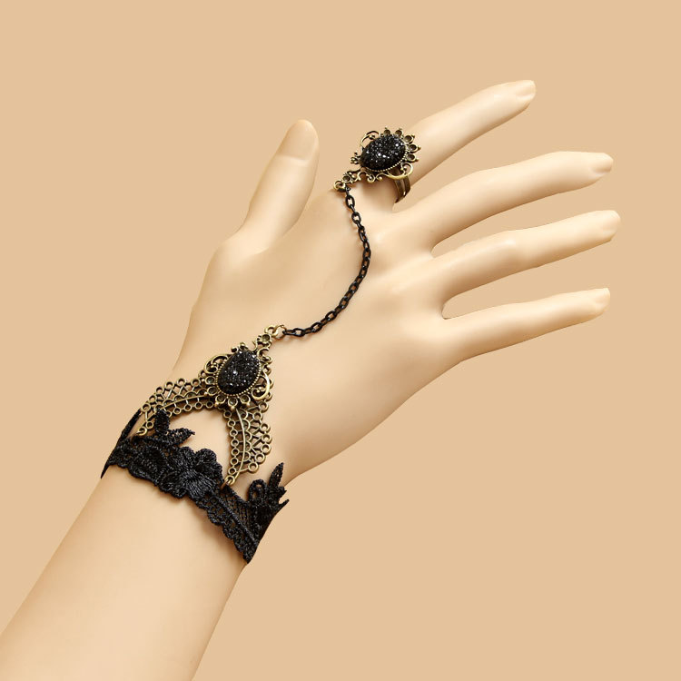 The-palace-of-Europe-and-the-United-States-retro-Jewelry-Bracelet-Wristband-refers-to-female-lace1 65 Hand Back Jewelry Pieces for 2018