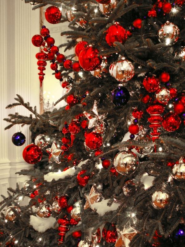 WHC08-EastRmTree_s3x4_lg 79 Amazing Christmas Tree Decorations