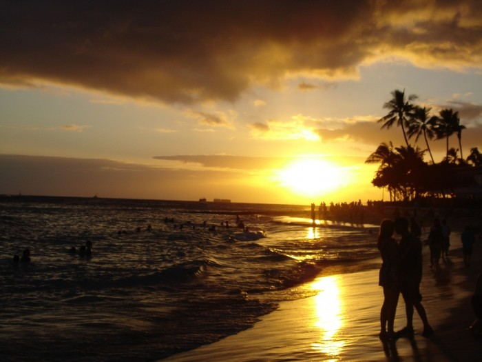 Waikiki_Beach_at_Sunset Top 10 Romantic Vacation Spots for Couples to Enjoy Unforgettable Time