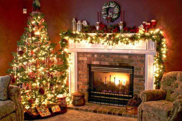 Warm-Christmas-Tree 79 Amazing Christmas Tree Decorations