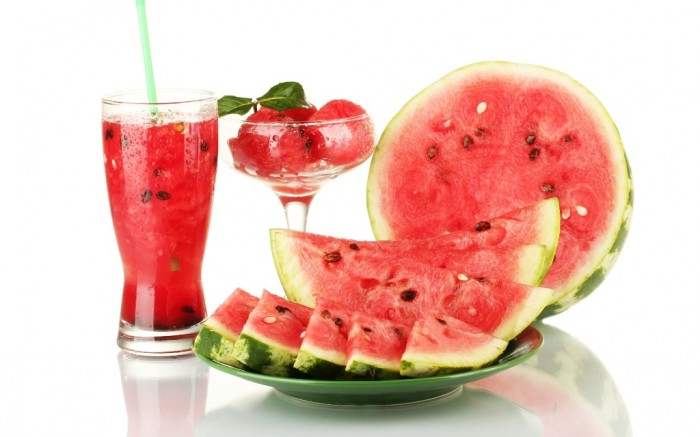 Watermelon-and-Watermelon-Juice 10 Easy-to-Follow Cooking Tips to Increase Your Savings