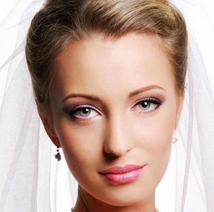 Wedding-Makeup-Tips-for-Your-Beauty-Skin-on-Wedding-Day-01 Differences between Engagement & Wedding Make-up, What Are They?