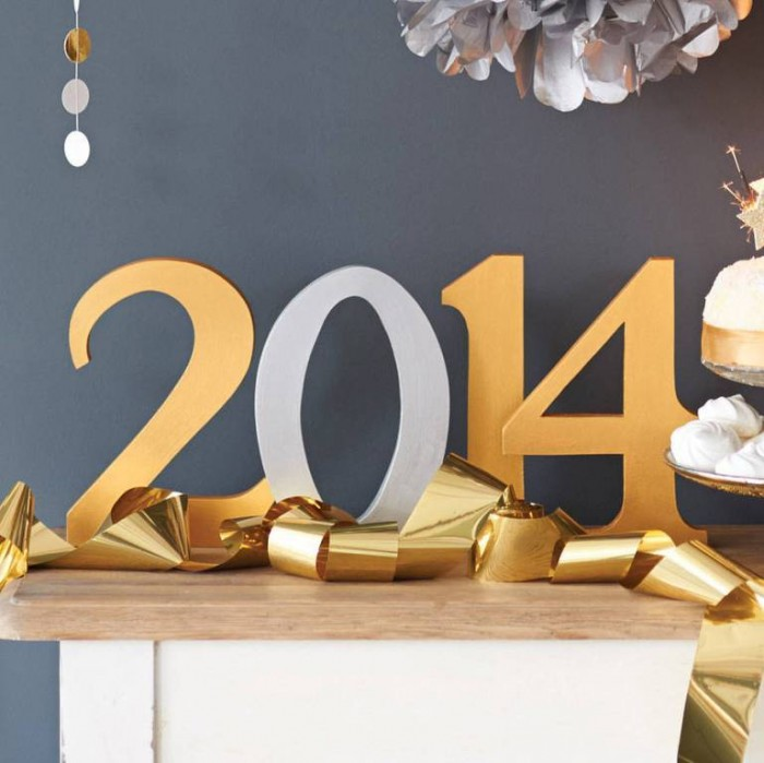 accessories-and-furniture-awesome-handmade-personalised-freestanding-numbers-in-gold-and-grey-matte-colors-for-nice-merry-christmas-and-happy-new-year-2014-dining-table-decoration-ideas-beautiful-insp 45+ Latest & Most Gorgeous Greeting Cards for a Happy New Year