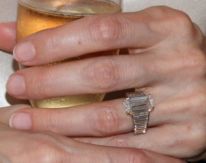 article-2130427-129E7006000005DC-280_634x503 35+ Fascinating & Stunning Celebrities Engagement Rings for 2020