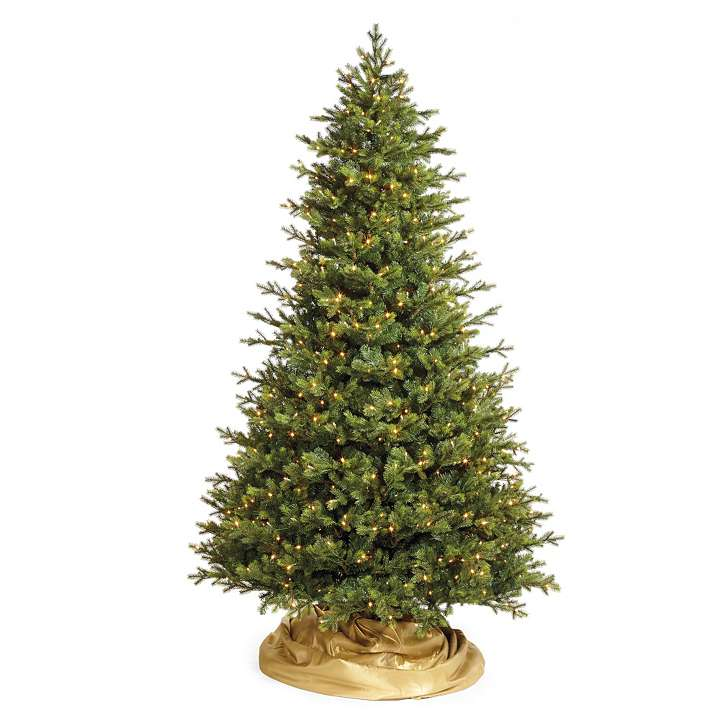 b-68317_main 79 Amazing Christmas Tree Decorations
