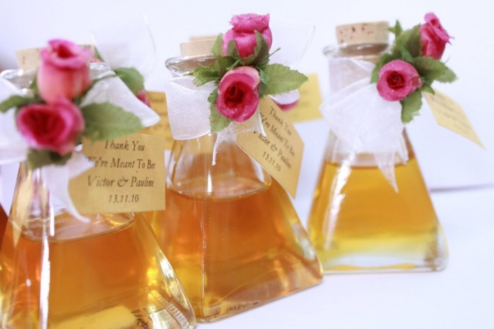 bottled-honey-wedding-favor Save Money & Learn How to Make Your Own Wedding Favors