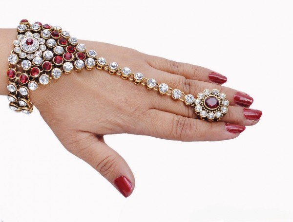 br.1298_bj 65 Hand Back Jewelry Pieces for 2018