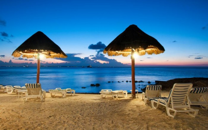 Top 10 romantic vacation spots for couples to enjoy for Awesome vacations for couples