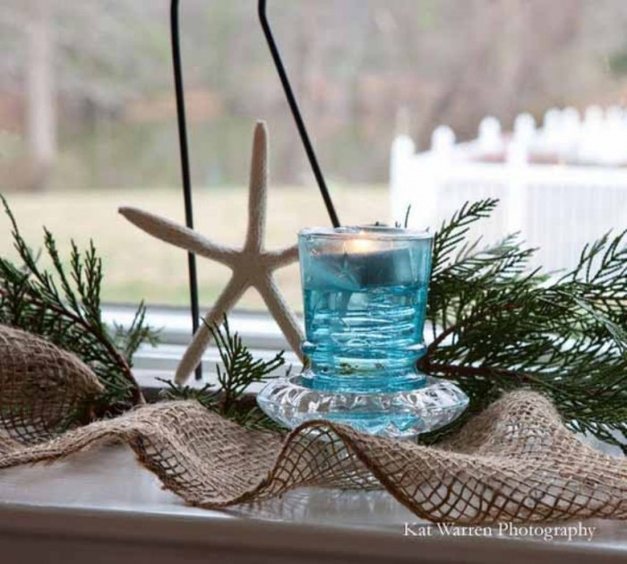 chrismas-decoration-window-decorating-candle-centerpieces-9 65+ Dazzling Christmas Decorating Ideas for Your Home in 2019