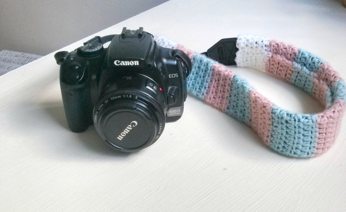 claireabellemakes-crochet-camera-strap Stunning Crochet Patterns To Decorate Your Home & Make Accessories
