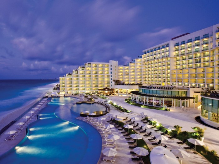 cn_image_0.size_.cancun-palace-canc-n-mexico-102264-1 Top 10 Romantic Vacation Spots for Couples to Enjoy Unforgettable Time