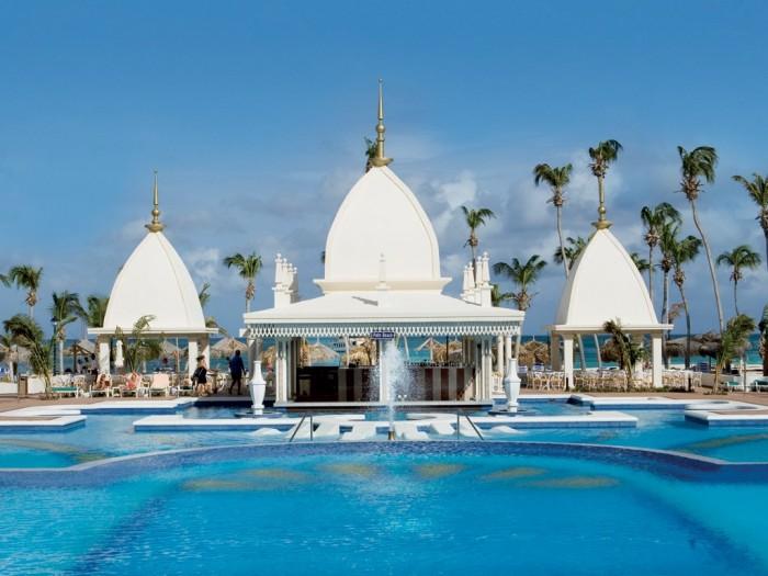 cn_image_0.size_.hotel-riu-palace-aruba-aruba-aruba-101761-1 Top 10 Romantic Vacation Spots for Couples to Enjoy Unforgettable Time