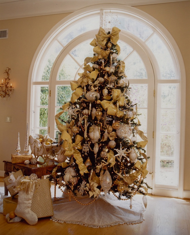 cool-design-ideas-beautiful-gold-christmas-tree-decorations-holy-colorful-christmas-tree-decorations 79 Amazing Christmas Tree Decorations