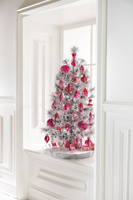 cool-design-ideas-beautiful-silver-tinsel-pink-ornaments-mini-christmas-tree-window-decoration-ideas-holy-colorful-christmas-tree-decorations 79 Amazing Christmas Tree Decorations