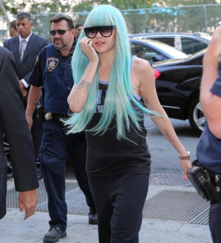 court-amanda-bynes 20 Worst Celebrities Hairstyles