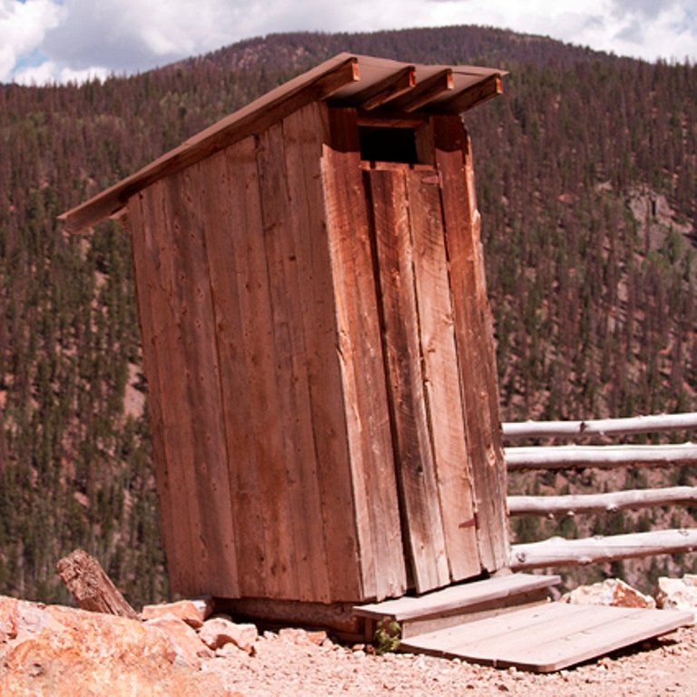 creede17 The Remotest Bathroom in the World, Do You Know Where Is It?