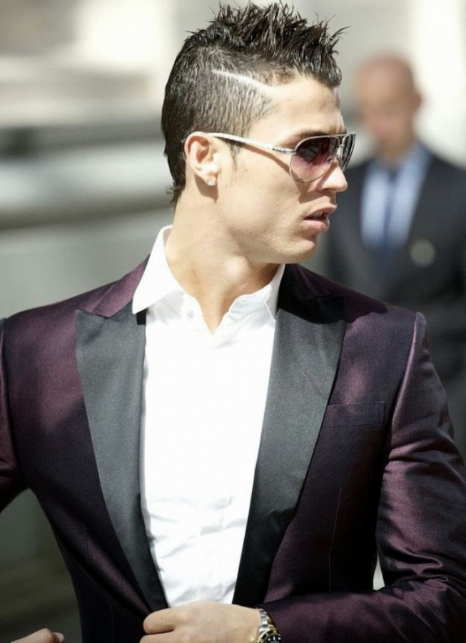 cristiano-ronaldo-Hair-Style-2013-04 Cristiano Ronaldo the Best Football Player & the Greatest of All Time